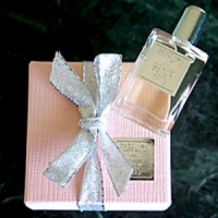 DSH Perfumes La Vie en Rose