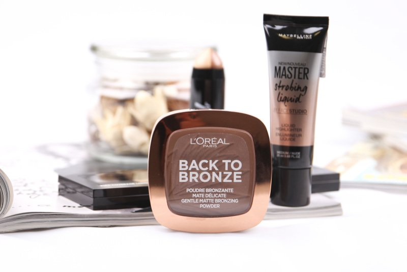 Bronzer zvýrazní opálení a definuje obličej. Při výběru je důležitý hlavně odstín.