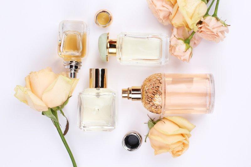 Starejte se o svoje parfémy. Déle vám vydrží. Zdroj: Kolomiec / Shutterstock, Inc.