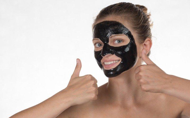 Zbavit se černých teček je boj. Zdroj: Oksana Volina/ Shutterstock, Inc.