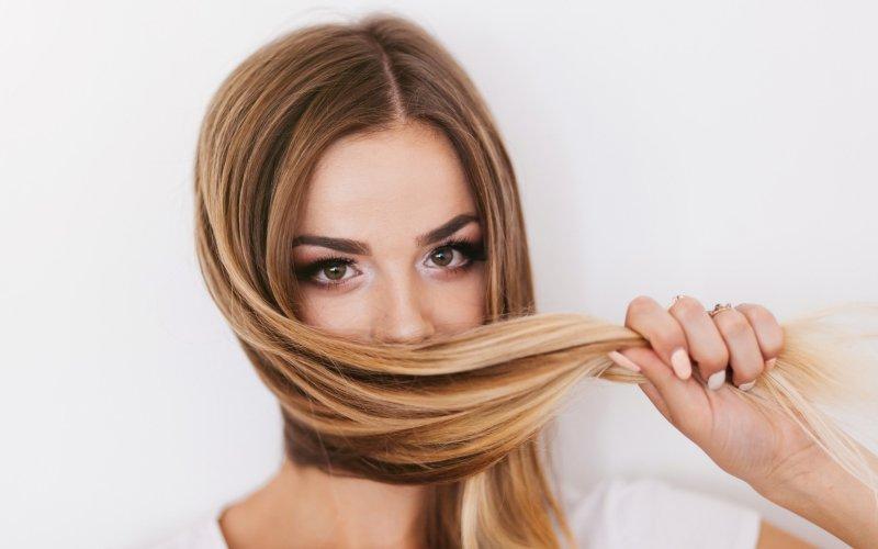 Silikon dodá vlasům lesk a pevnost. Zdroj: Shutterstock